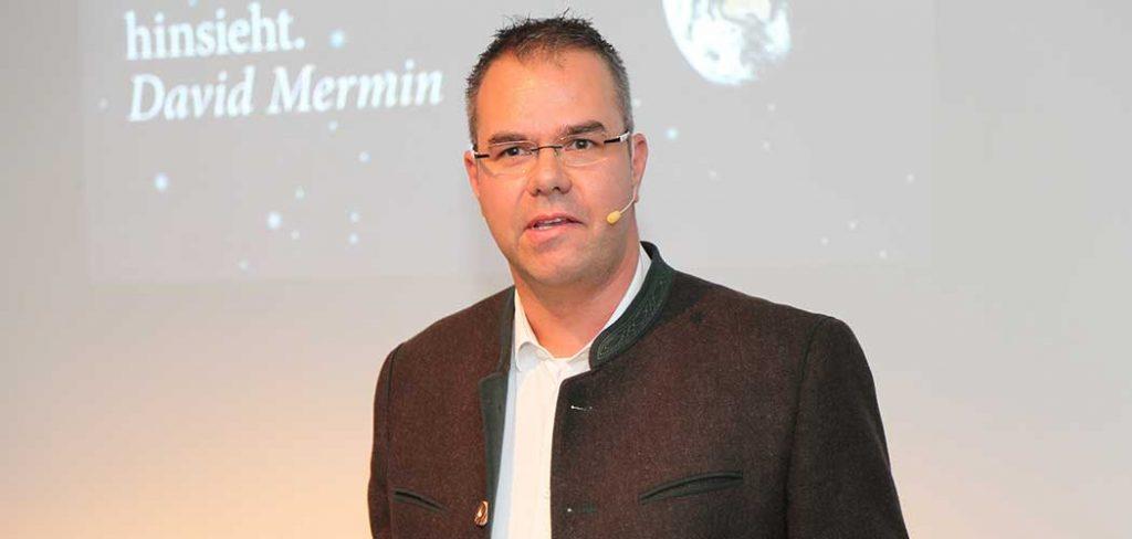 Die unheimliche Macht von Print: Interview mit Bernd Weber