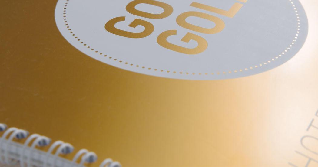 Veredelte Broschüre, gold