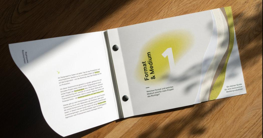 Exklusive Drucksache, gedruckt bei Colour Connection in Frankfurt